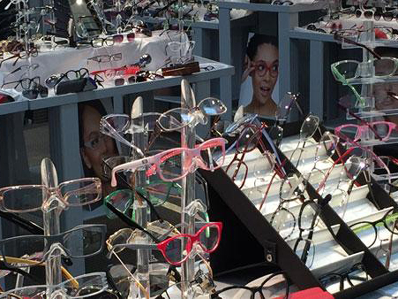 Trendy Transparent Glasses